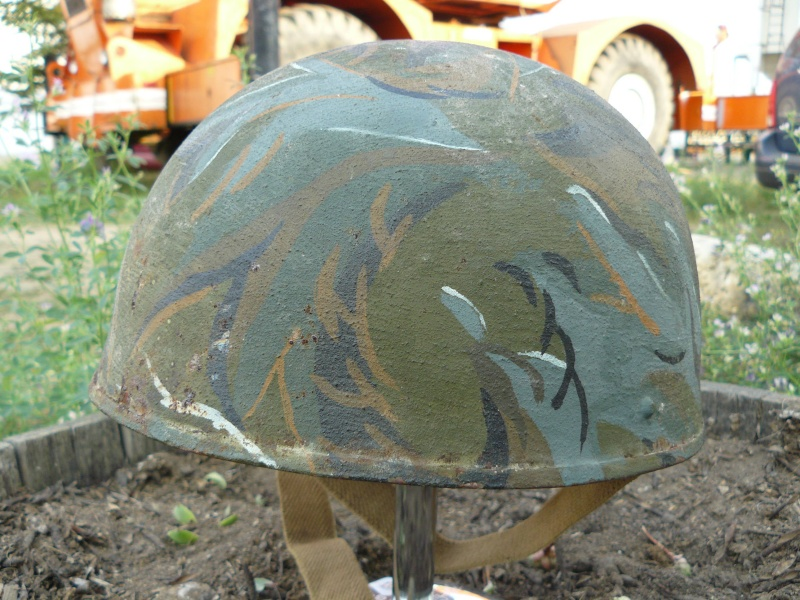 Lets see your favorite worn Canadian/Commonwealth helmets with nice aged patina - Page 3 Pictur21