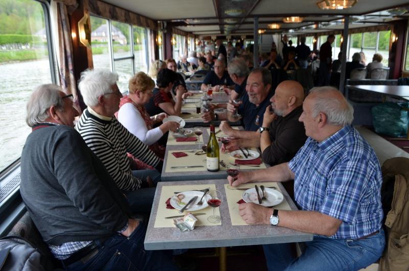 Croisière sur la Meuse le 9 mai 2015 - Page 4 Dinant47