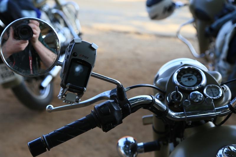 zumo 350 ou montana pour gps moto et randonnée 20150210