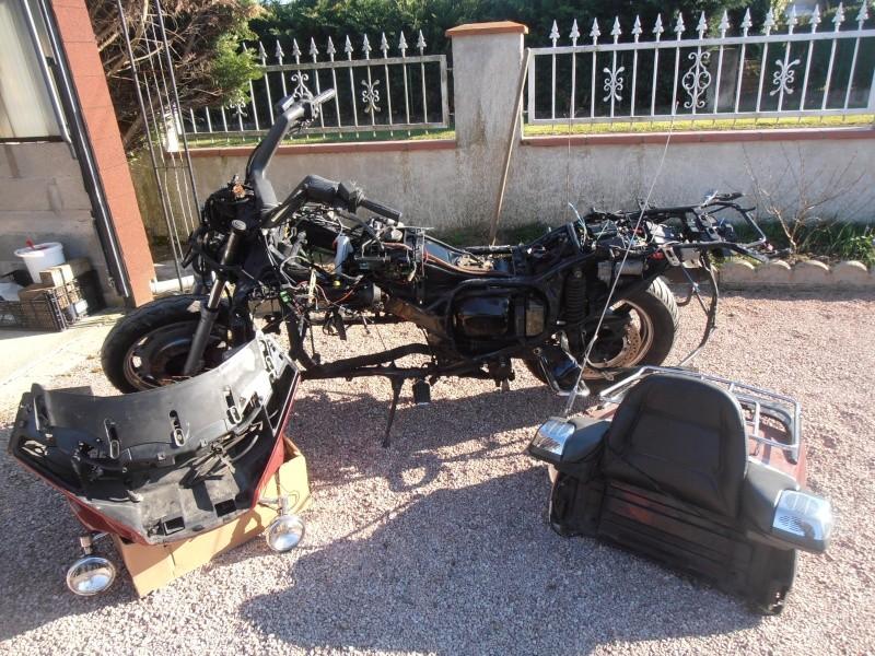 Refection carter arriére sur Honda Goldwing 1500 P4050013
