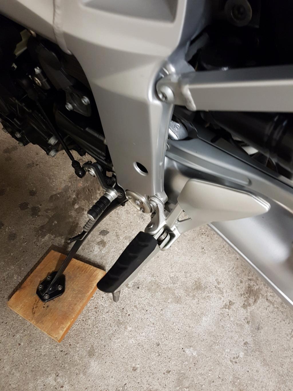 (Résolu) - Changement cales pieds conducteur 20200110