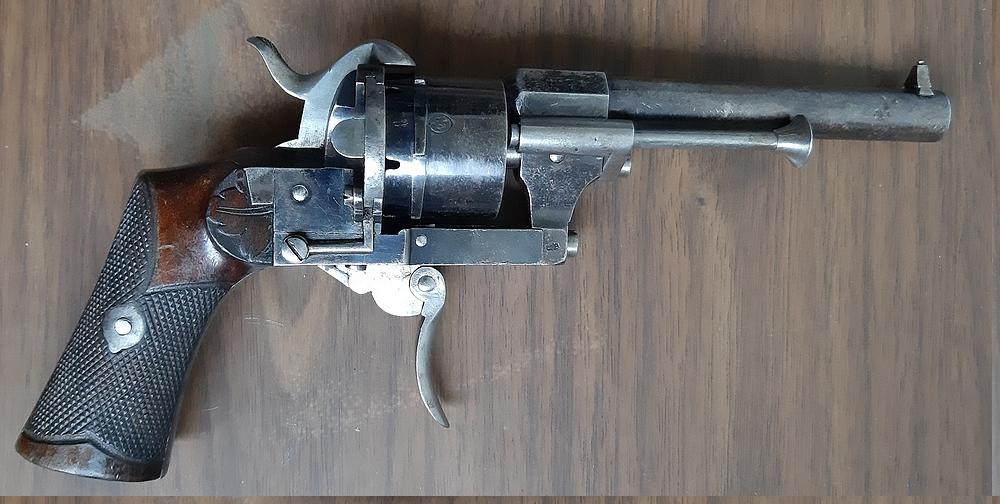 Un autre revolver style Lefaucheux 20201116
