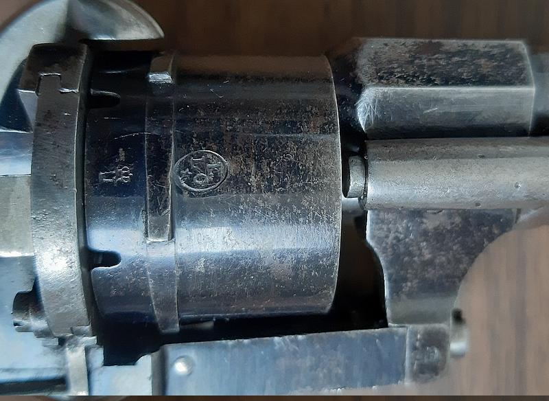 Un autre revolver style Lefaucheux 20201117
