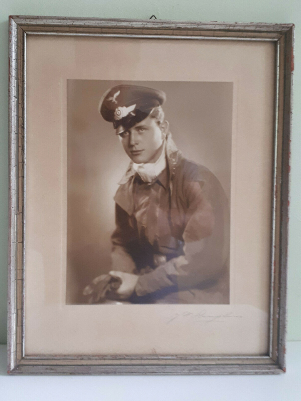 Pilote Luftwaffe à identifier S-l16012