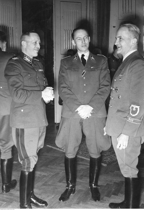 Chancelier du Reich ! Ss_bri10