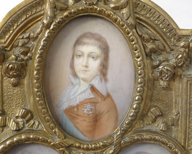 A vendre: miniatures de Marie Antoinette et de ses proches - Page 5 10730410