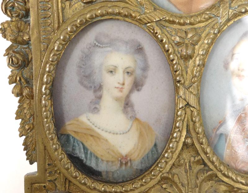 A vendre: miniatures de Marie Antoinette et de ses proches - Page 5 10730412