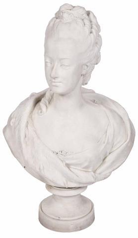 A vendre: bustes Marie Antoinette - Page 3 358fc110