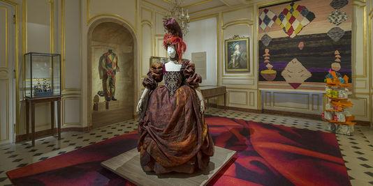 « Lumières : carte blanche à Christian Lacroix » au musée Cognacq-Jay 46032510
