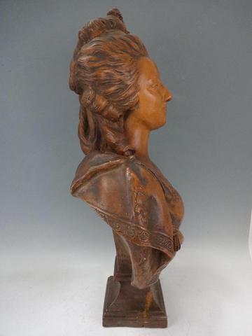 A vendre: bustes Marie Antoinette - Page 3 5486cc10