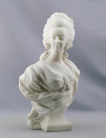 A vendre: bustes Marie Antoinette - Page 3 617a9710
