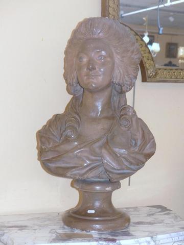 A vendre: bustes de Marie Antoinette? - Page 2 A3506b10