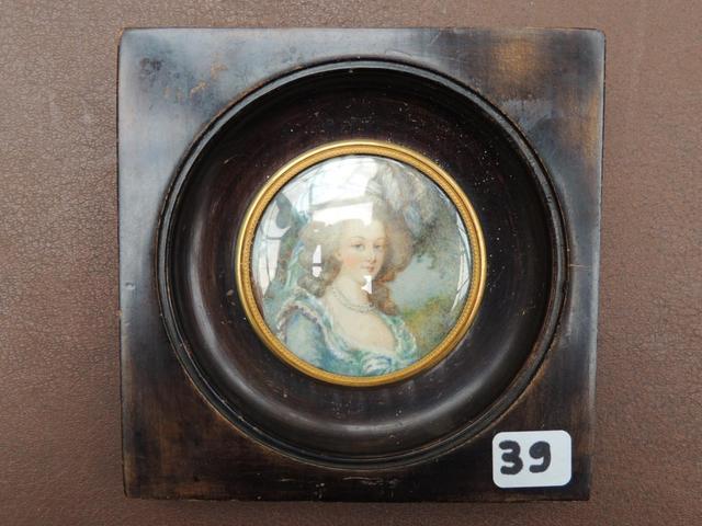 A vendre: miniatures de Marie Antoinette et de ses proches - Page 5 B9a36910