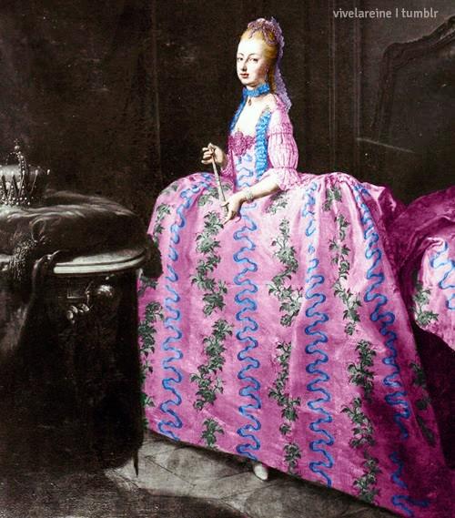Les robes portées par les Marie Antoinette de nos écrans Tumblr14