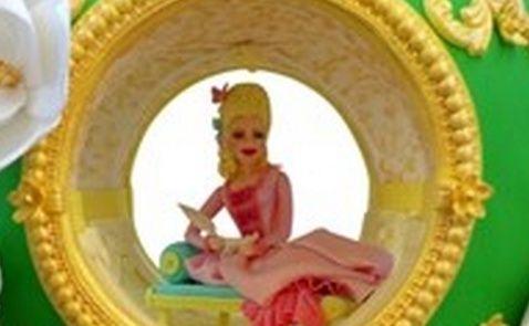 Marie-Antoinette vous souhaite de Joyeuses Pâques Zzzpng10
