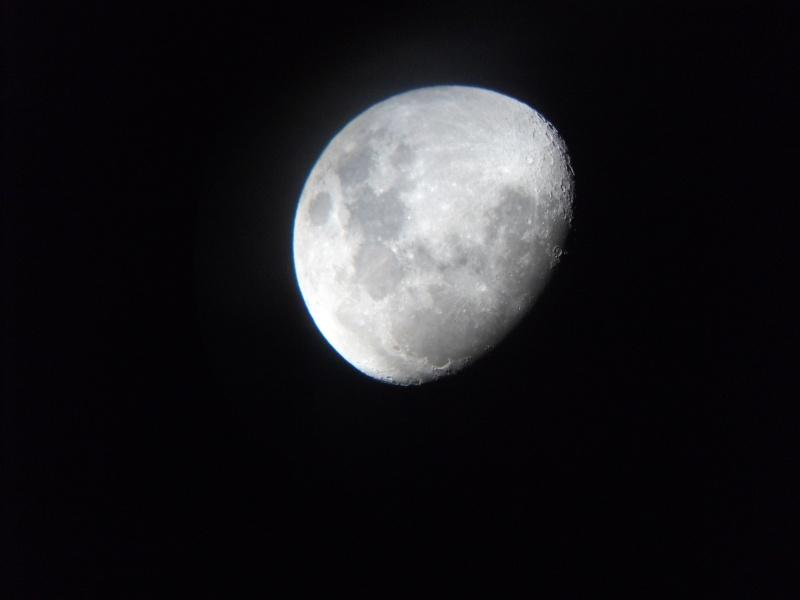 Photos diverses de la Lune (à compléter) - Page 5 Dscf0310