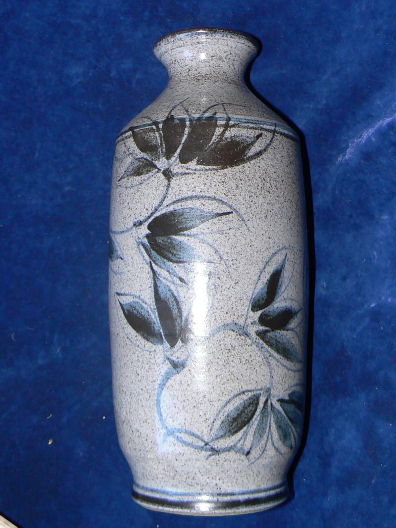 studio stoneware,whos mark is this  P1180310
