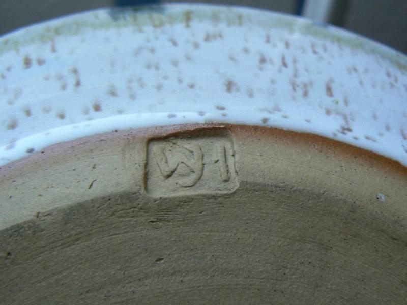Heavy stoneware can mark be identified P1180410