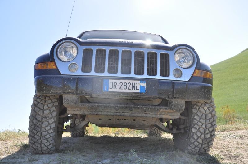...e io che pensavo di avere la jeep rialzata... Jambor25