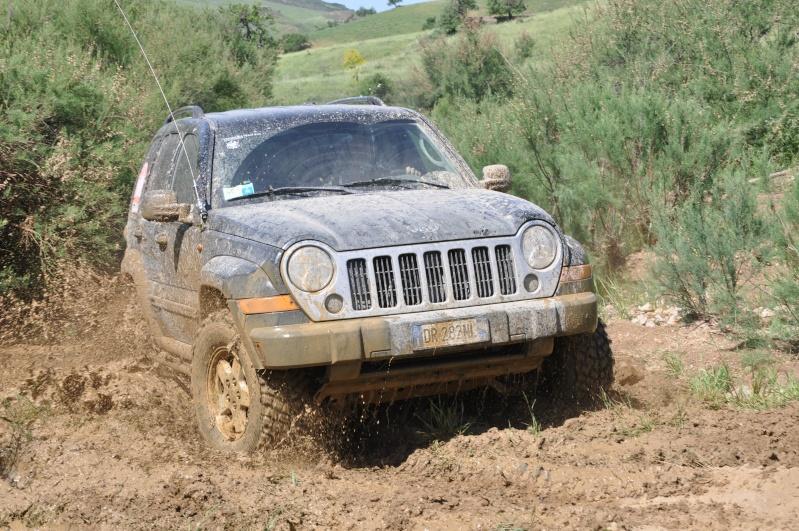 ...e io che pensavo di avere la jeep rialzata... Jambor26