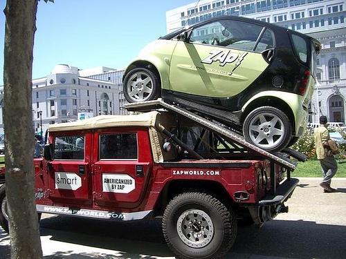 Hummer H2,  gros ou!!!   comparaison... 10931511