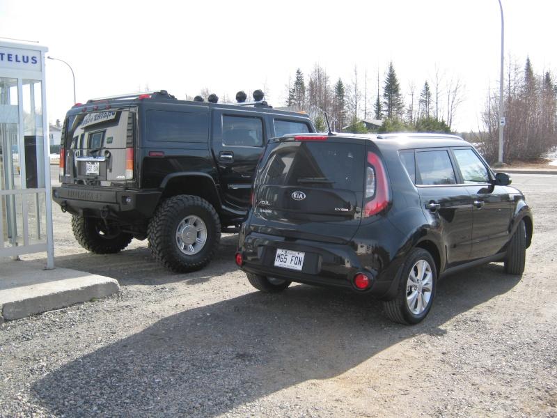 Hummer H2,  gros ou!!!   comparaison... Kia_1810
