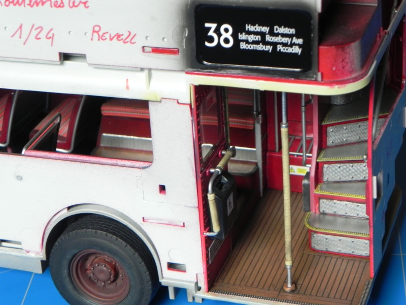 AEC Routemaster London double decker bus 1/24 Revell terminus tout le monde descend! - Page 2 Dscn0317