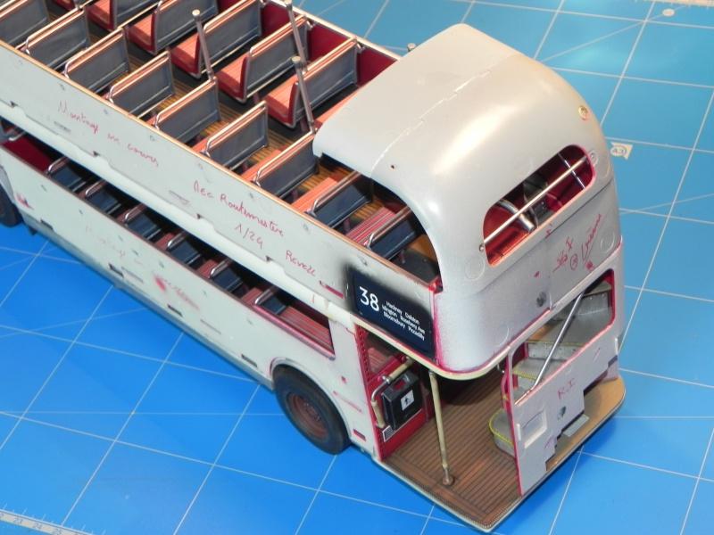 AEC Routemaster London double decker bus 1/24 Revell terminus tout le monde descend! - Page 3 Dscn0412