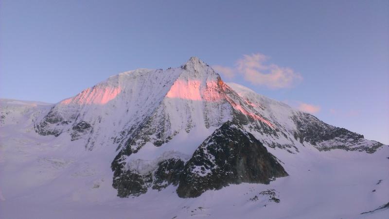 WE du 8-9-10 mai  Mont Blanc de Cheilon(3827m) et Pigne d'Arolla (3790m) 2015-011