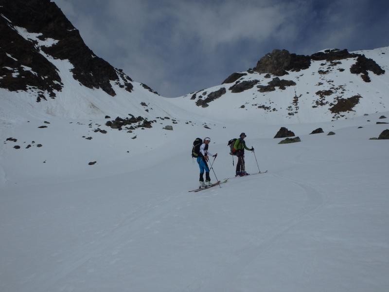 WE du 8-9-10 mai  Mont Blanc de Cheilon(3827m) et Pigne d'Arolla (3790m) P5080211