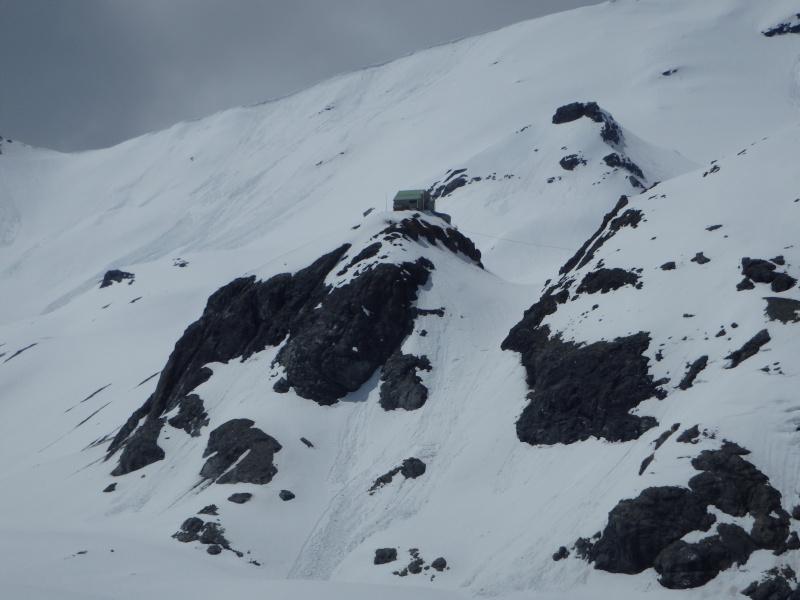 WE du 8-9-10 mai  Mont Blanc de Cheilon(3827m) et Pigne d'Arolla (3790m) P5080213
