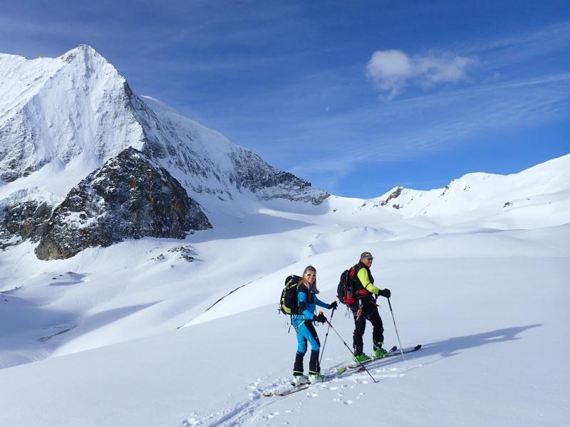 WE du 8-9-10 mai  Mont Blanc de Cheilon(3827m) et Pigne d'Arolla (3790m) P5090010