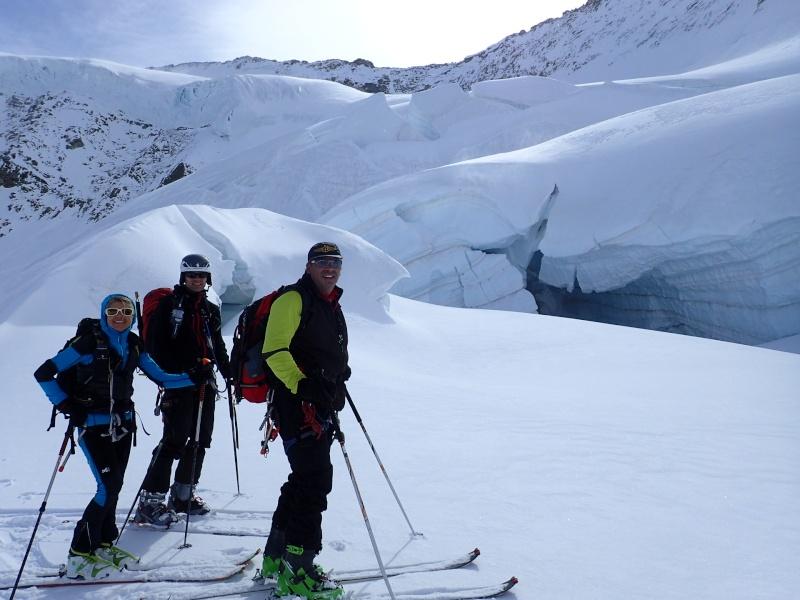 WE du 8-9-10 mai  Mont Blanc de Cheilon(3827m) et Pigne d'Arolla (3790m) P5090011