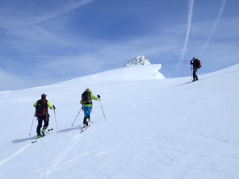 WE du 8-9-10 mai  Mont Blanc de Cheilon(3827m) et Pigne d'Arolla (3790m) P5090012