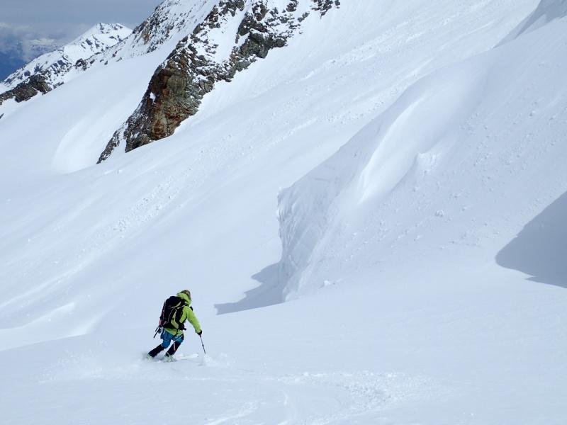 WE du 8-9-10 mai  Mont Blanc de Cheilon(3827m) et Pigne d'Arolla (3790m) P5090110