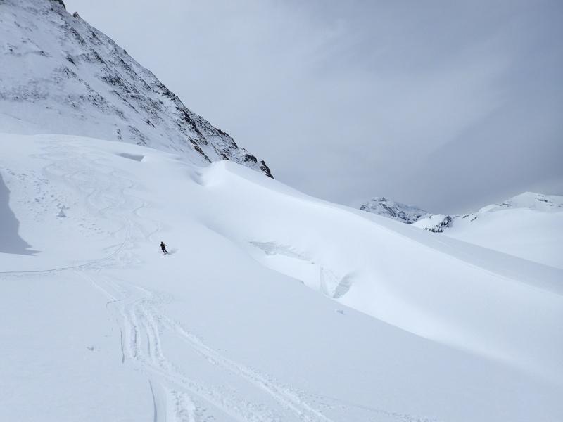 WE du 8-9-10 mai  Mont Blanc de Cheilon(3827m) et Pigne d'Arolla (3790m) P5090111