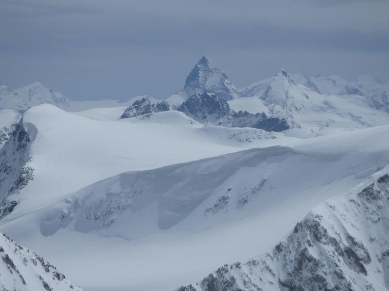WE du 8-9-10 mai  Mont Blanc de Cheilon(3827m) et Pigne d'Arolla (3790m) P5090313