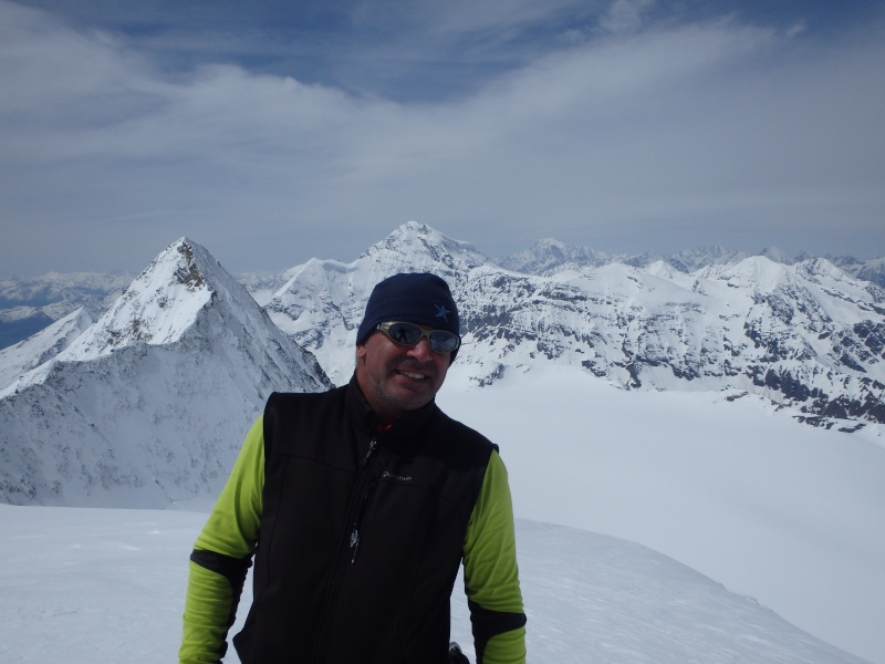 WE du 8-9-10 mai  Mont Blanc de Cheilon(3827m) et Pigne d'Arolla (3790m) P5090315
