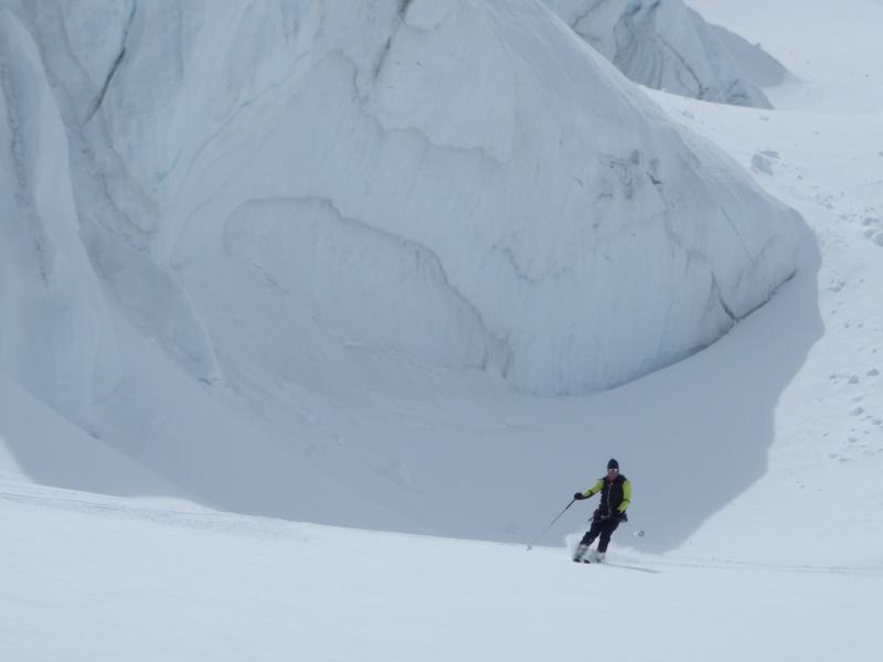 WE du 8-9-10 mai  Mont Blanc de Cheilon(3827m) et Pigne d'Arolla (3790m) P5090317