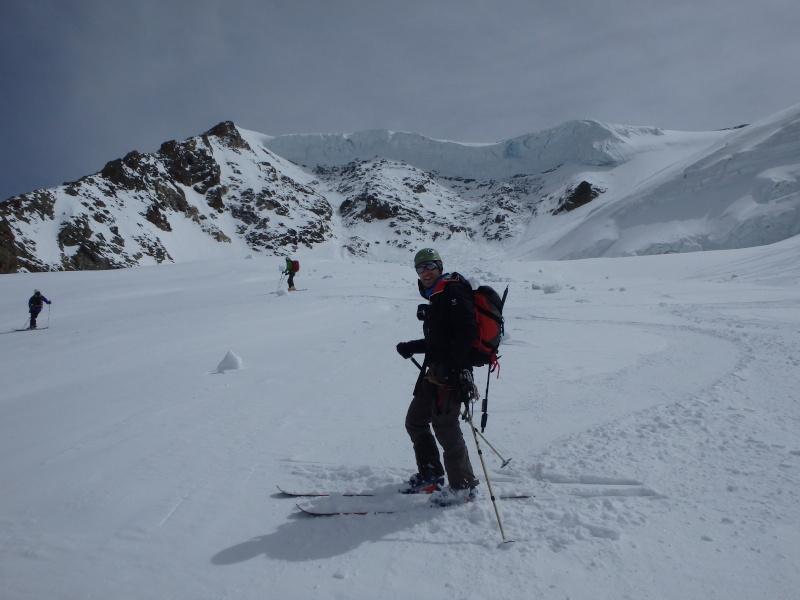 WE du 8-9-10 mai  Mont Blanc de Cheilon(3827m) et Pigne d'Arolla (3790m) P5090318