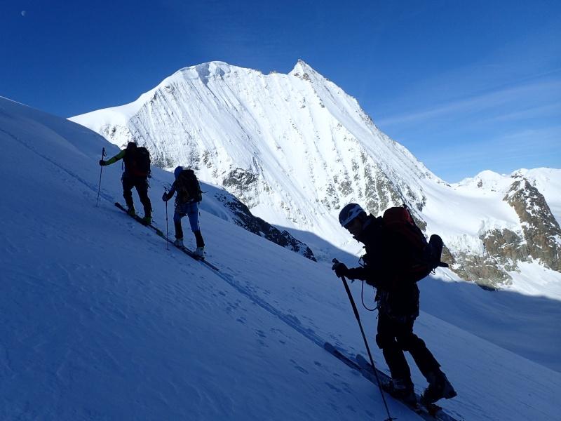 WE du 8-9-10 mai  Mont Blanc de Cheilon(3827m) et Pigne d'Arolla (3790m) P5100110