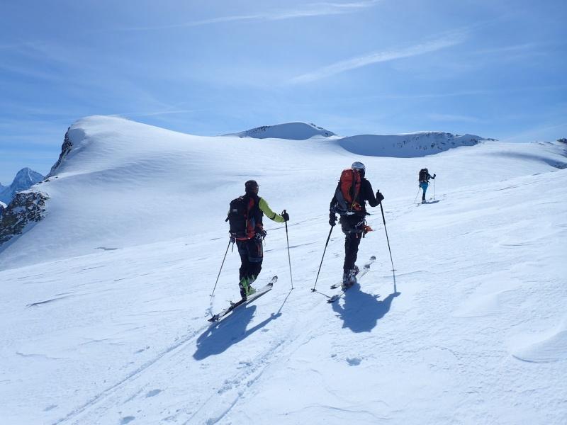 WE du 8-9-10 mai  Mont Blanc de Cheilon(3827m) et Pigne d'Arolla (3790m) P5100210