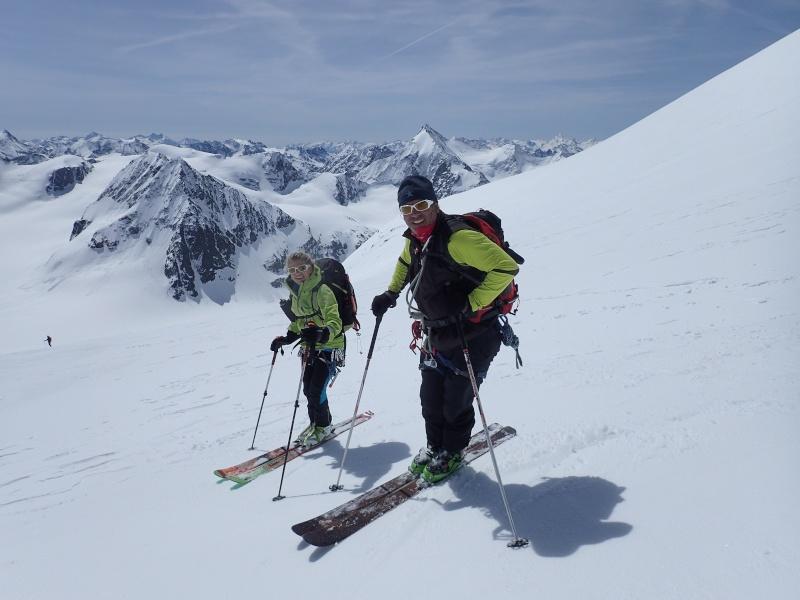 WE du 8-9-10 mai  Mont Blanc de Cheilon(3827m) et Pigne d'Arolla (3790m) P5100212