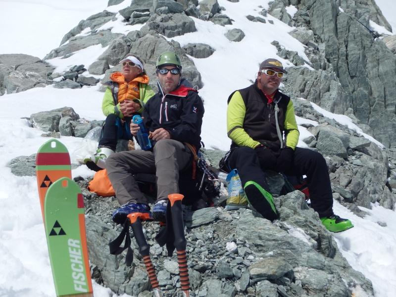 WE du 8-9-10 mai  Mont Blanc de Cheilon(3827m) et Pigne d'Arolla (3790m) P5100412