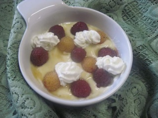 Fromage blanc aux framboises.photos. Fromag10