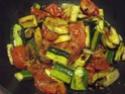 Aiguillettes de poulet aux trois légumes.photos. 10981611