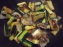 Aiguillettes de poulet aux trois légumes.photos. 11028311