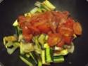Aiguillettes de poulet aux trois légumes.photos. 11138610