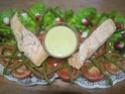 saumon rose sur un lit de crudités et crustacés.photos. Img_6864