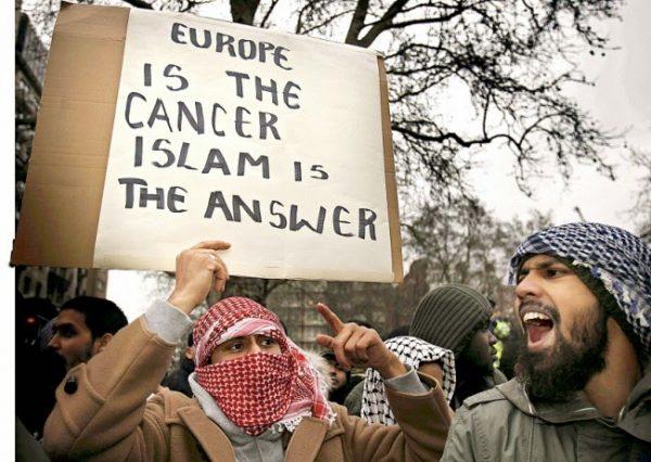 Emeutes : répétition générale pour une révolution islamique ? Europe10